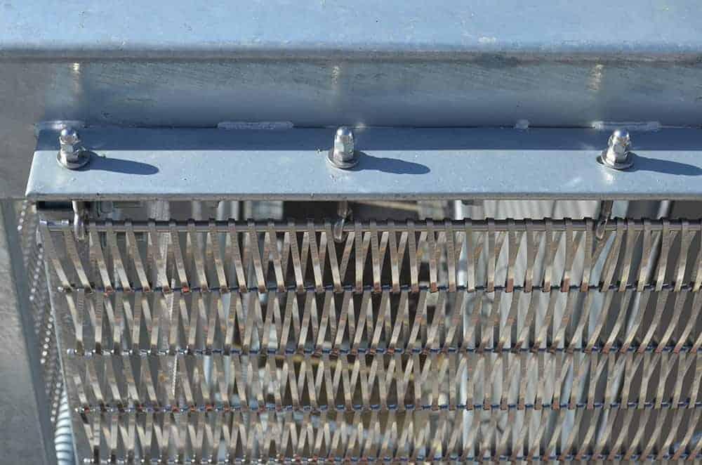 Closeup Top Bar